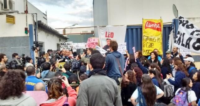 Con respaldo de Camioneros, bloquearán la distribución de Pepsico contra los despidos