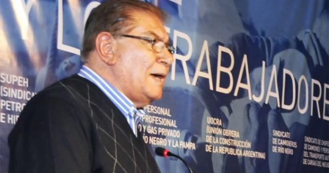 Ceñido a la pauta oficial, Pereyra firmó 20% en paritarias