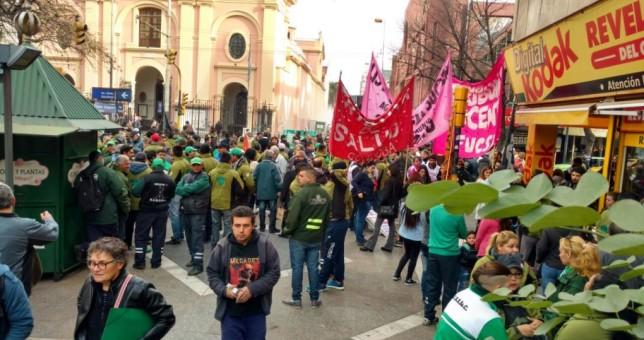 Choferes cordobeses piden la reincorporación de los 161 despedidos