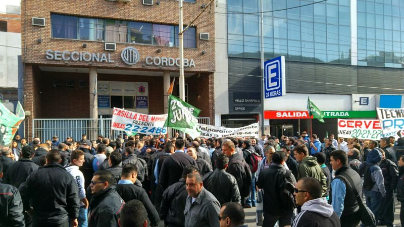 El gobierno cordobés saca la Gendarmería a la calle para romper la huelga de choferes