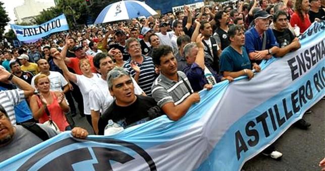 Trabajadores de Astillero Río Santiago marchan para pedirle inversiones a Vidal