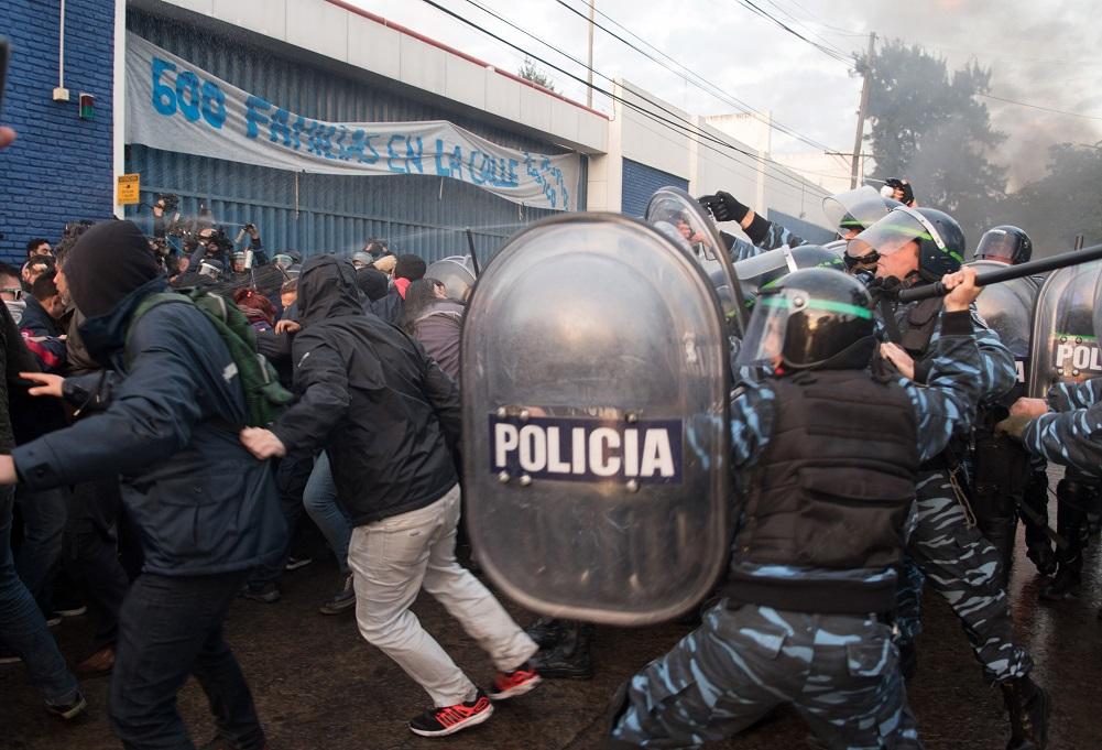 Paralizan el Sarmiento contra la represión en PepsiCo