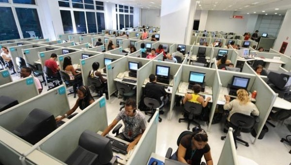 Se perdieron 20.000 puestos de trabajo en los call centers
