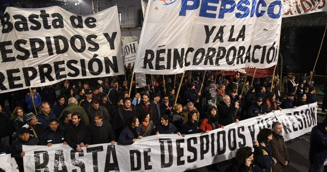 Multitudinaria movilización contra los despidos en PepsiCo