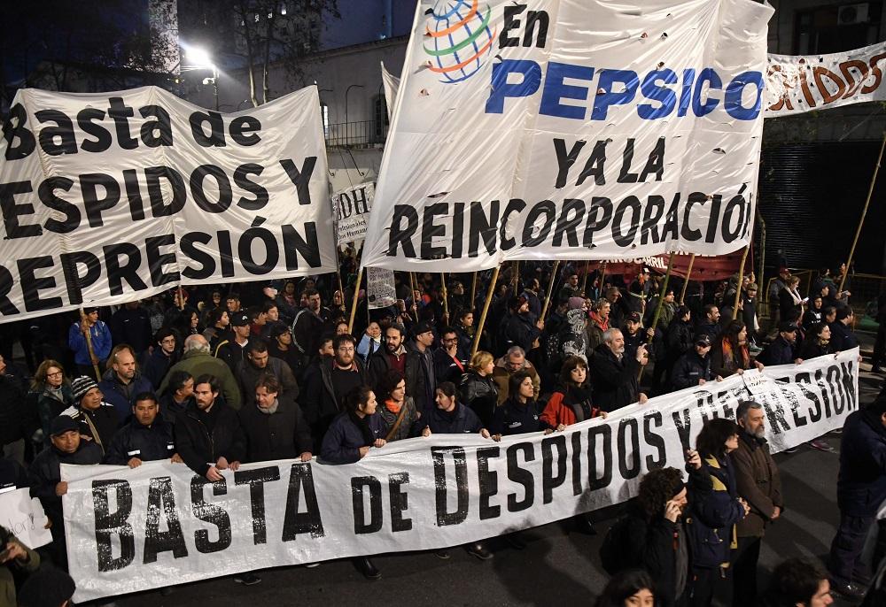 Multitudinaria movilización contra los despidos en PepsiCo