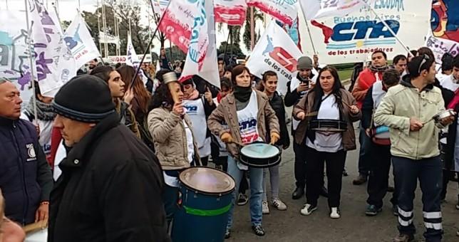 Atucha ratificó los casi mil despidos y crece el descontento en Zárate
