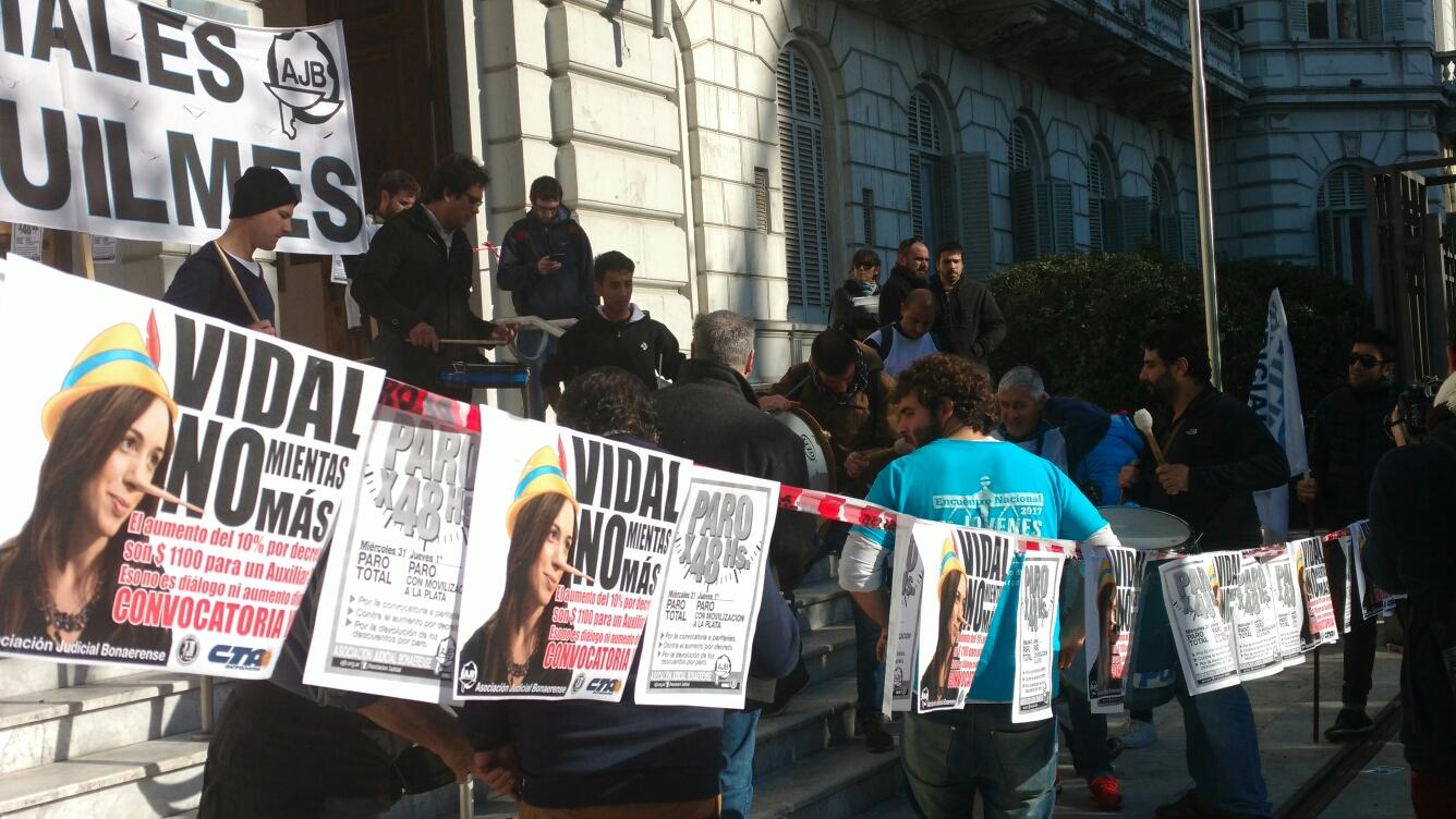 Termina julio y vuelven a parar los judiciales bonaerenses