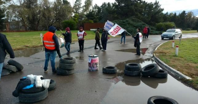 Denuncian despidos discriminatorios en obras de Bahía Blanca