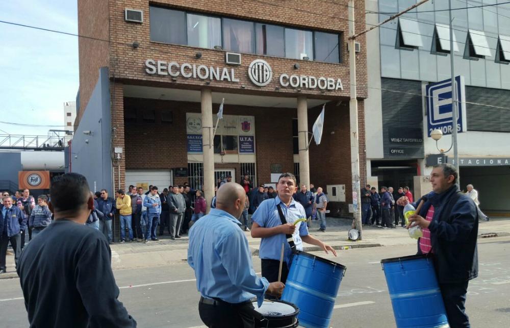 UTA lo hizo: desplazó a todos los delegados que encabezaron el paro en Córdoba