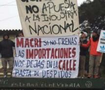 """Contra los despidos en Adidas se viene un """"Zapatillazo"""""""