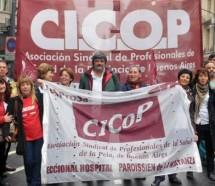 Médicos vuelven a las protestas mañana porque Vidal no cumplió con los pases a planta