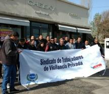 La movilización logró que la empresa de Awada reincorpore a 13 empleados