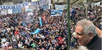 """La Uocra La Plata en pie de guerra por temor a la detención de """"Pata"""" Medina"""