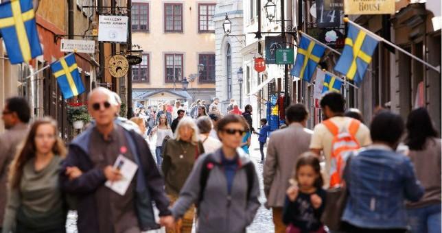 Suecia prueba la jornada laboral de 6 horas sin bajar salarios