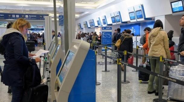 Gobierno insiste en poner el techo salarial 2018 a los aeronáuticos y podría haber problemas con los vuelos