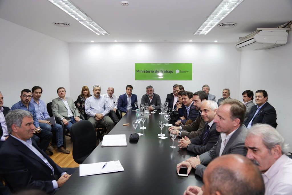 Vidal aprovechó el escándalo Medina para quitar derechos adquiridos en la construcción