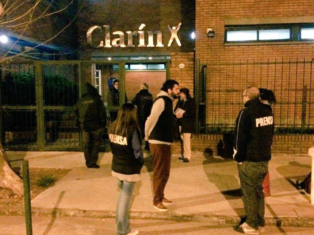 Tras el cierre de AGR, Clarín despide en la planta Zepita