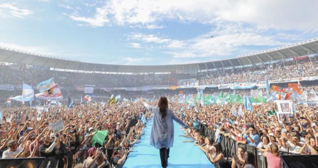 CFK cruzó a Stolbizer por la reforma laboral