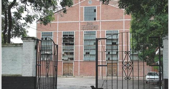 Ocupan el Ingenio La Esperanza contra 370 despidos