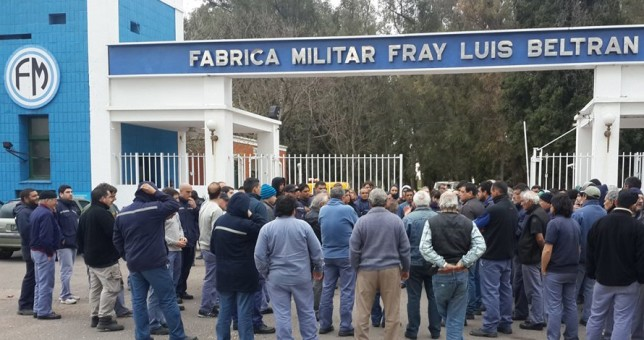Asambleas en Fabricaciones Militares ante inminentes despidos masivos