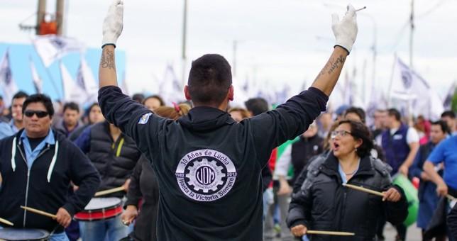 Pese a la negativa de Río Grande, la UOM insiste con congelar los salarios en Ushuaia