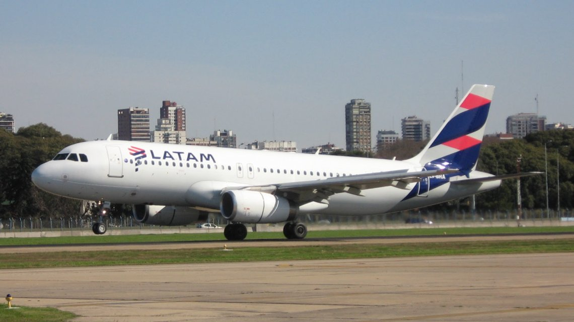 Aeronáuticos anunciaron protestas en Latam por falta de acuerdo salarial