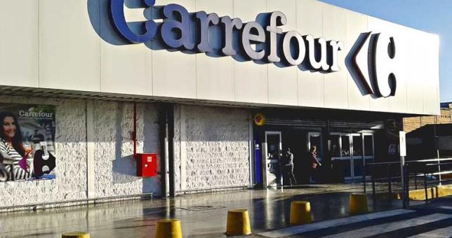Cierres y miles de despidos en Carrefour