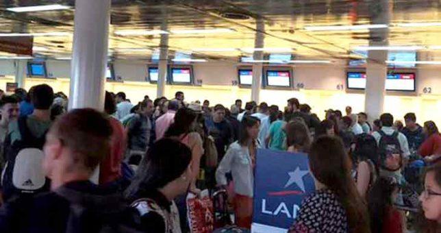 Pilotos de LAN amenazan con parar los vuelos la semana próxima