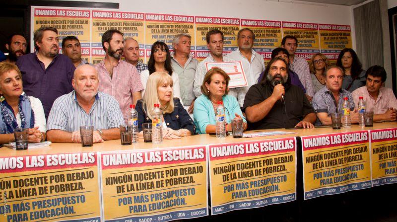 A horas de sentarse con Vidal, UDA sale a criticar al Frente Gremial Docente