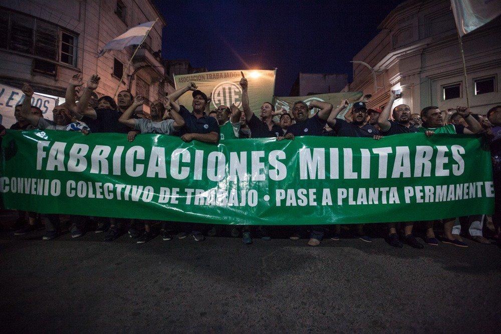 Los despedidos de Fabricaciones Militares Azul buscan que Vidal se haga cargo de la situación