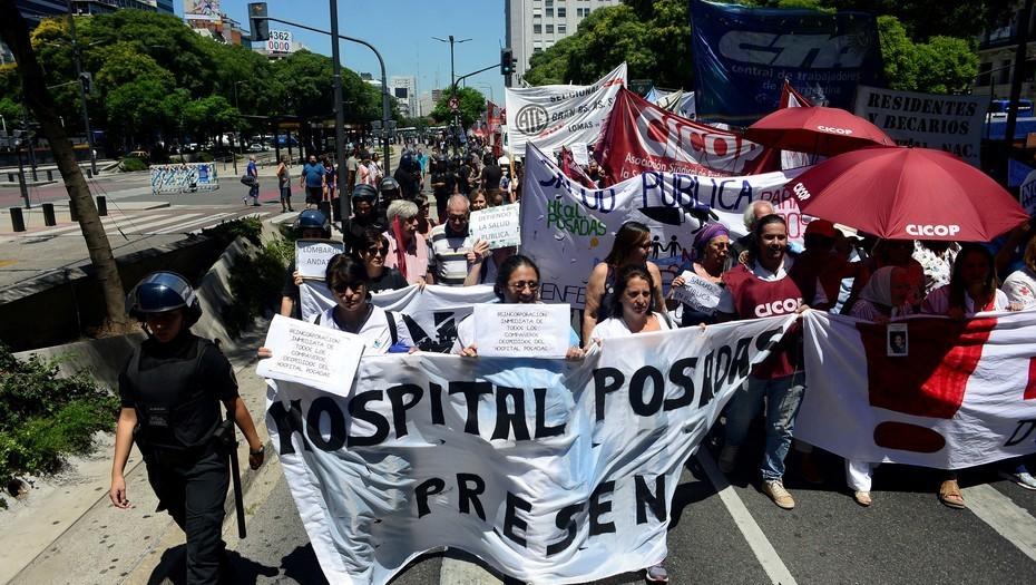 Médicos denuncian que las autoridades del Posadas no los reciben