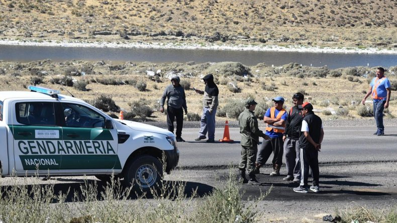 Petroleros desocupados bloquearon el ingreso a yacimiento santacruceños
