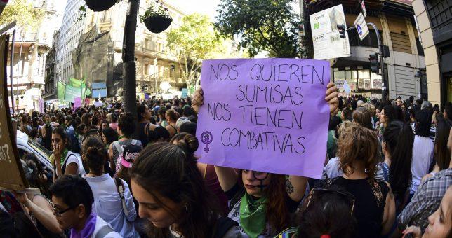 Mujeres de todas las centrales sindicales marcharon en unidad
