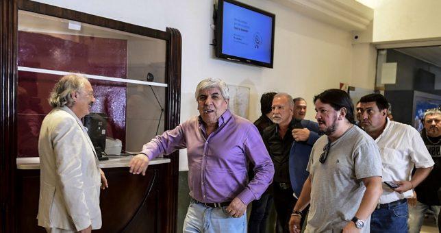 """Moyano desafiante:""""Los trabajadores no quieren ser cómplices de una CGT entreguista"""""""