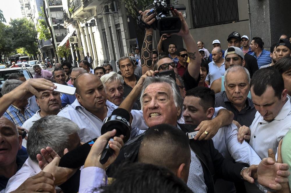 Como primera medida, Barrionuevo pidió que desalojen la sede del PJ