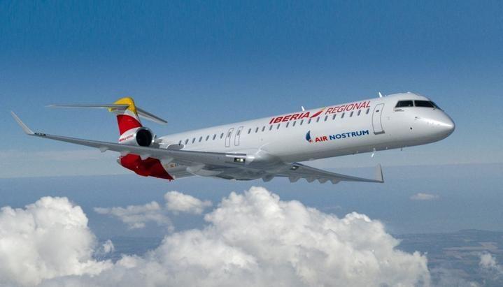 Iberia comunicó que despide a todos sus empleados para tomar personal tercerizado