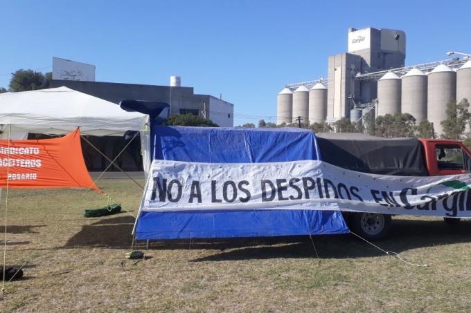 Acampan contra el lock out de Cargill