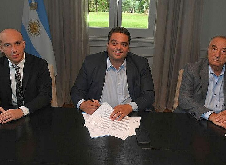 Una carta documento para Triaca, abre la batalla legal contra el acuerdo Cavalieri - Carrefour
