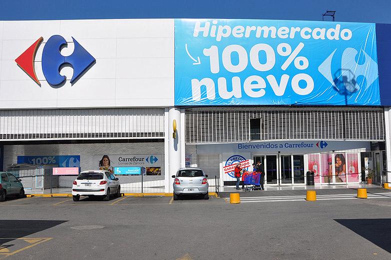 Reducción de salarios, 2700 despidos y cierre de sucursales, detrás del plan de ajuste de Carrefour