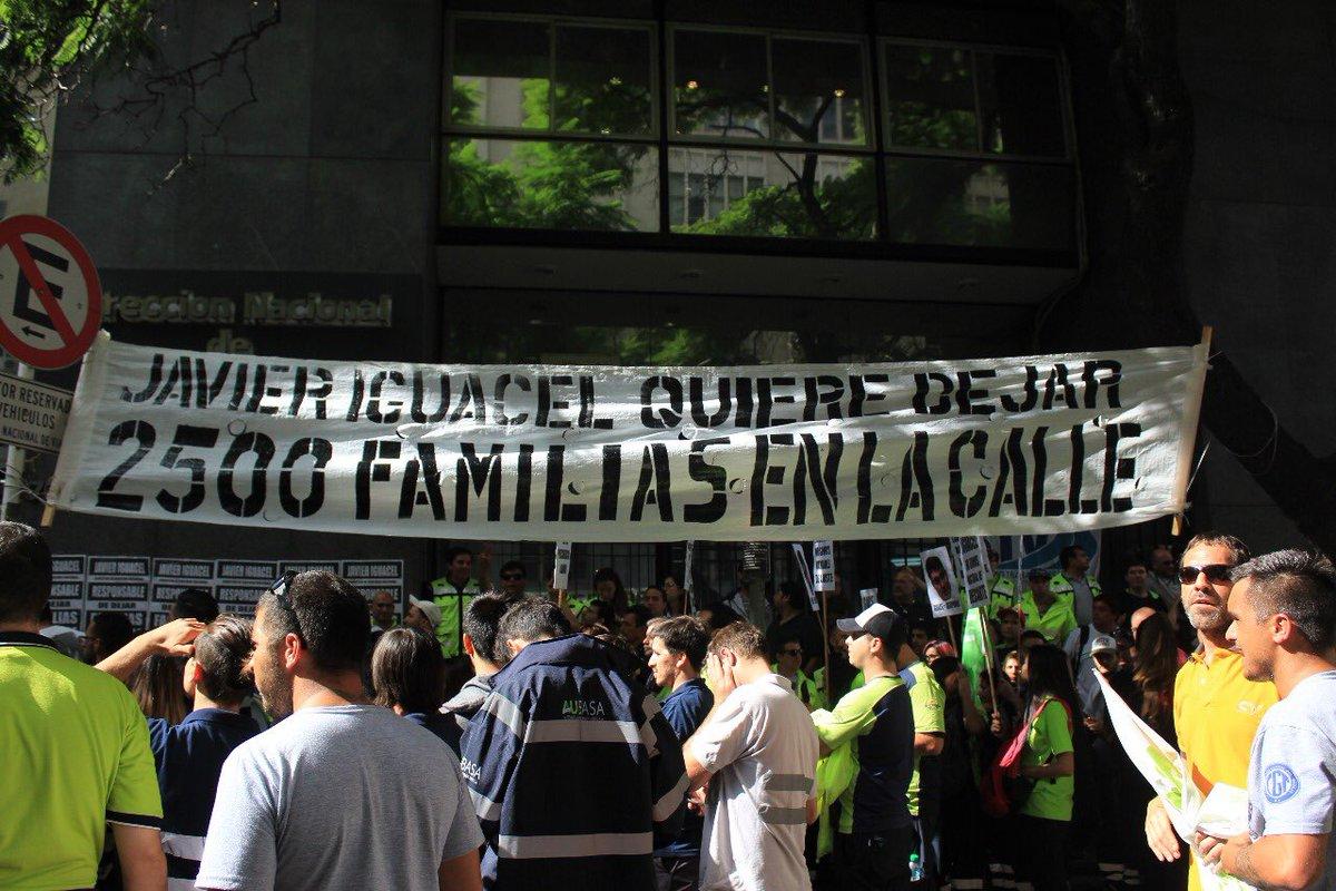 Contra la precarización laboral y los despidos, peajistas movilizaron a Vialidad Nacional