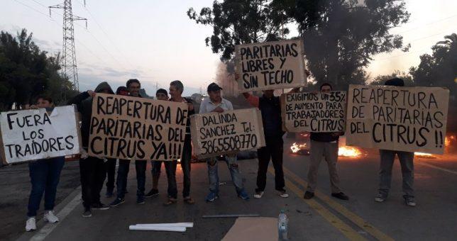Uatre firmó la paritaria del Citrus en Buenos Aires y en Tucumán cortan rutas para repudiarlo