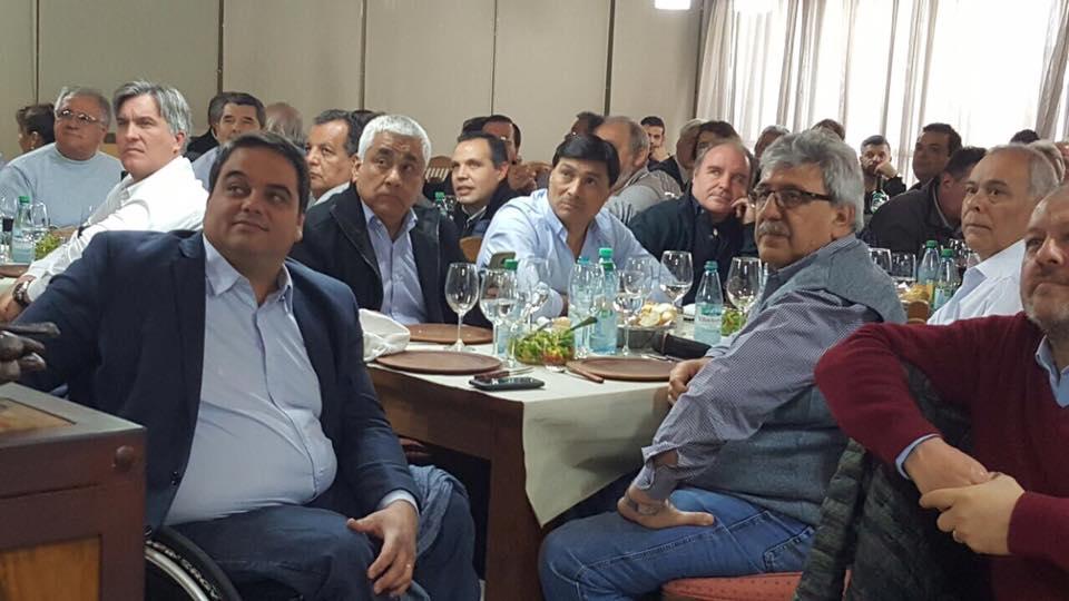 """Ayala dice que sigue en Cambiemos y quiere una CGT """"sin piqueteros"""""""
