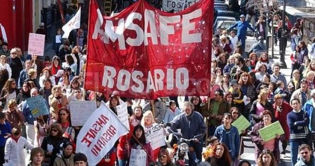 Rebelión de estatales, docentes y médicos santafecinos contra el cierre paritario por decreto