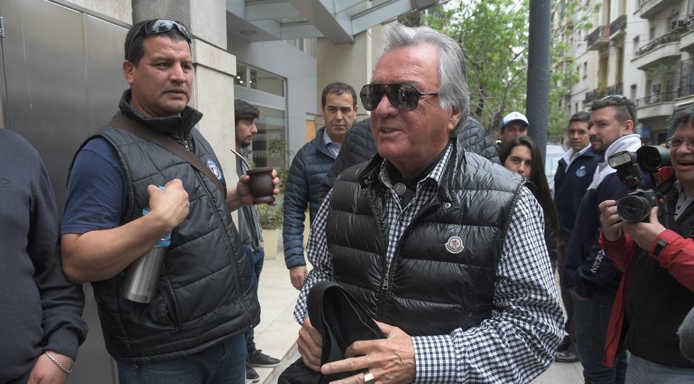 En las negociaciones para bajarse de la huelga, Barrionuevo le arrebató un nuevo convenio colectivo a Triaca
