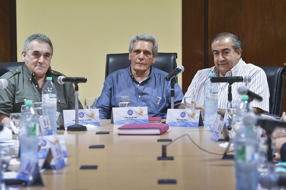 Con la sanción de la ley antitarifazo al caer, la CGT se reúne con Senadores del PJ y la Iglesia