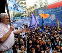 El Gobierno ahora analiza eliminar la cuota solidaria de la UOM