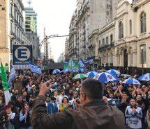 """Trabajadores de ANSES presentaron """"Un Millón de Firmas"""" contra la Reforma Previsional"""