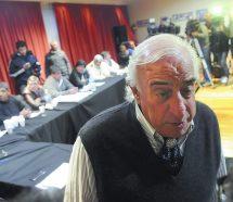 Roberto Fernandez se pronunció a favor de un paro general antes del Mundial