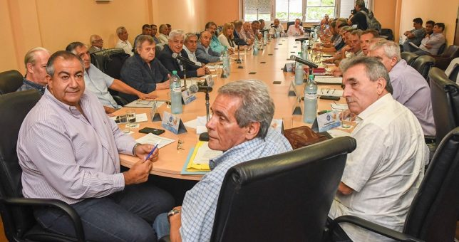 La CGT plantó al Gobierno y esta tarde anunciará un paro general