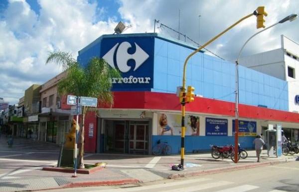 Tras presentar el Preventivo de Crisis, Carrefour cierra la primera sucursal